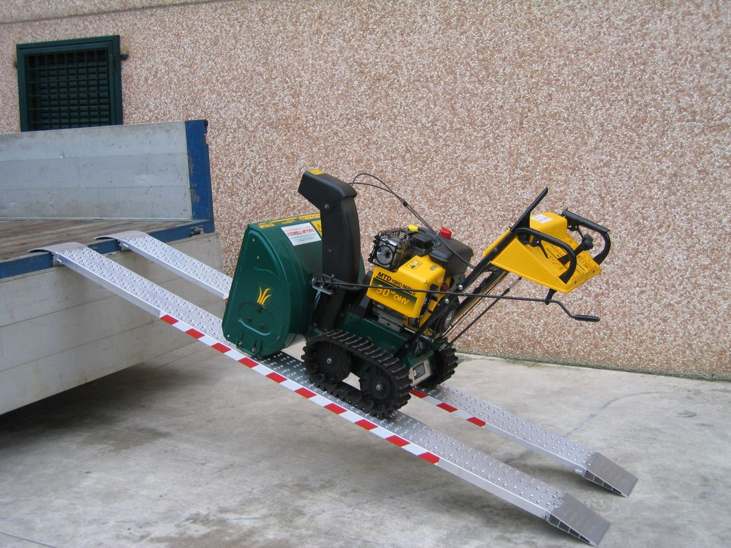 Hliníkové nájezdy MM040 - 3000 mm, max.nosnost 2518 kg Metalmec
