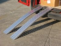 Hliníkové nájezdy obloukové MM015S0 - 2000 mm, max.nosnost 1000 kg