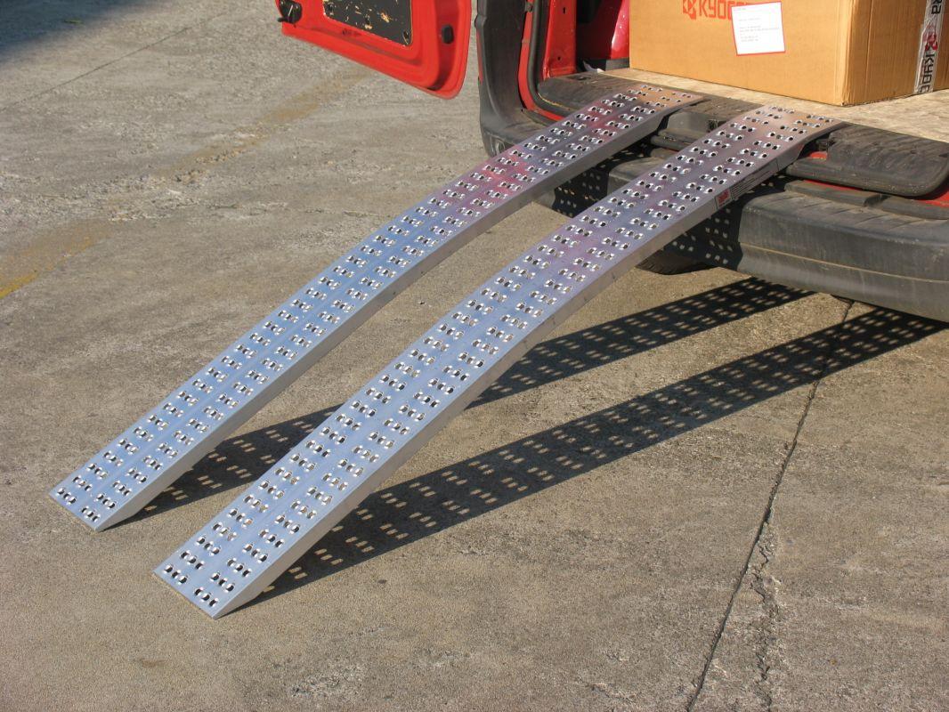 Hliníkové nájezdy obloukové MM015S0 - 2000 mm, max.nosnost 1000 kg Metalmec