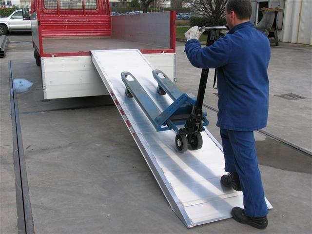 Hliníková nájezdová rampa MPC - 3000x750 mm, max.nosnost 1000 kg Metalmec