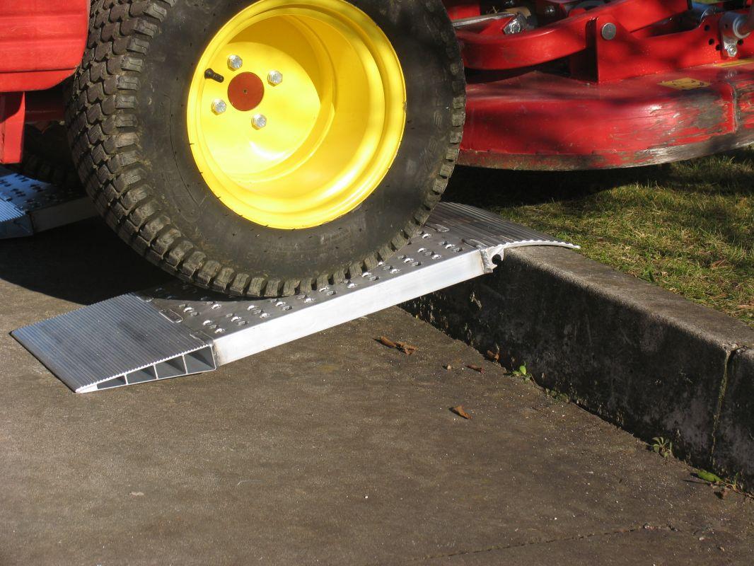 Zkrácené hliníkové nájezdy MM500 500 mm, max.nosnost 2000 kg Metalmec