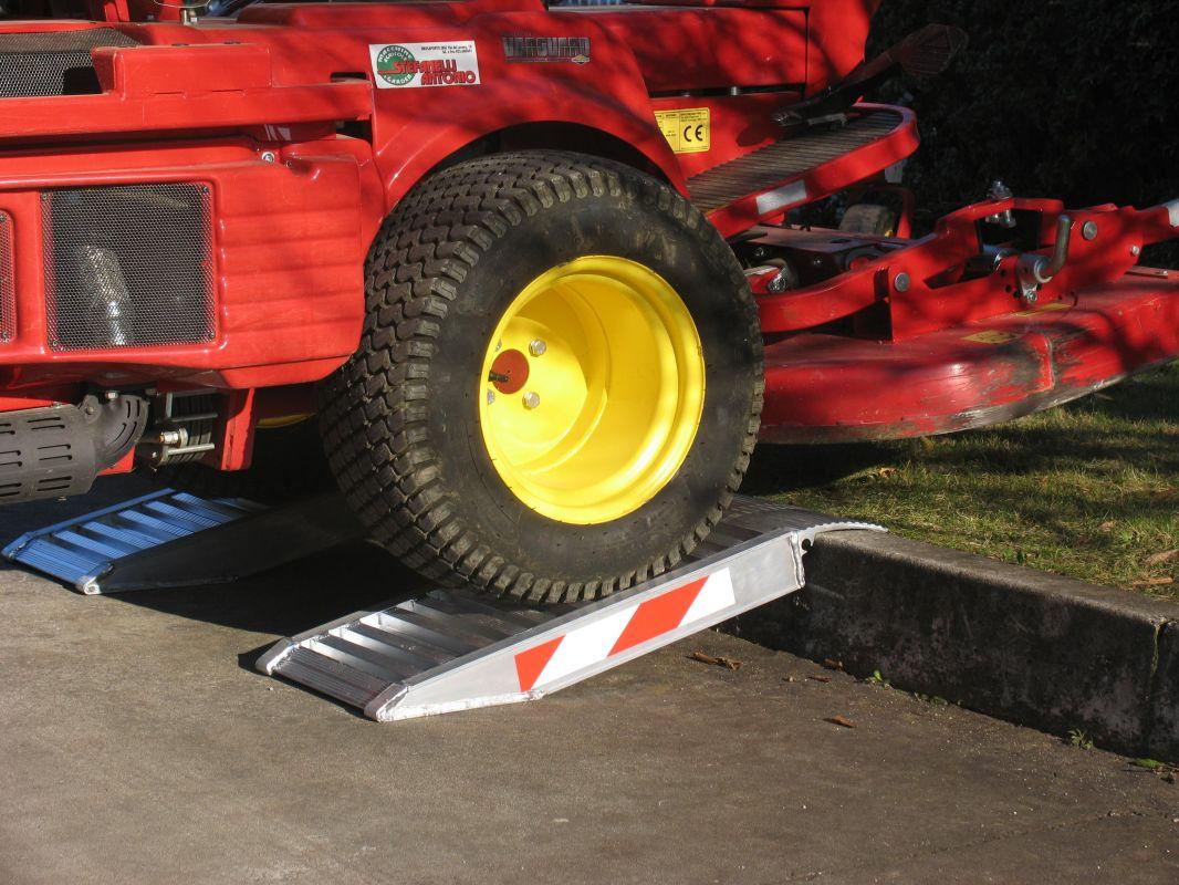 Zkrácené hliníkové nájezdy MM500 1500 mm, max.nosnost 7500 kg Metalmec