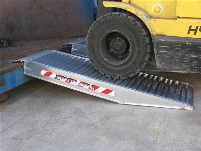 Zkrácené hliníkové nájezdy MM500 2000 mm, max.nosnost 7500 kg Metalmec